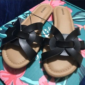 8.5 wide sandals